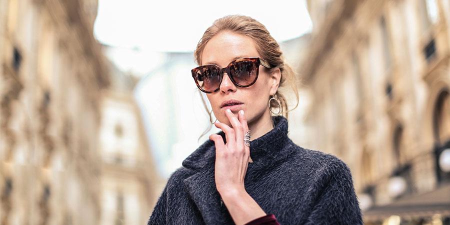 5fe3e233b Óculos de sol e sobrancelhas: não à monocelha com dicas trendy